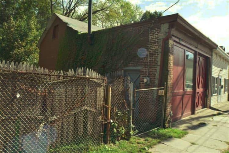 40 City Terrace Newburgh NY side/front entrances