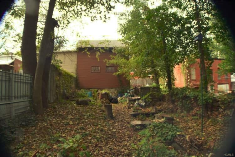 40 City Terrace Newburgh NY backyard/rear side of the building
