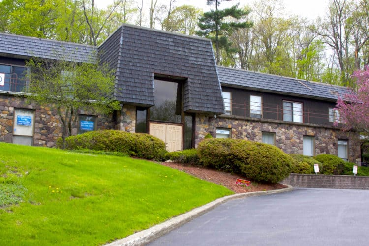 Modernist medical office space exterior 5109 Route 9W Newburgh,N.Y.