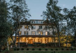 A FSH Hotelier Property the DeBruce